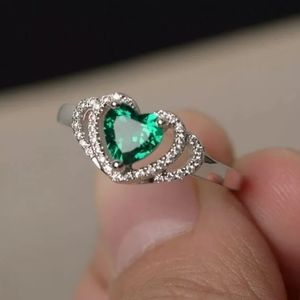 Pretty 925 Green Zircon Ring